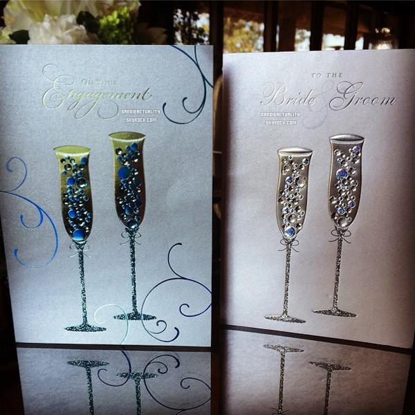 • • • 23/08/14: Maryse Ouellet, Mike Mizannin & Lauren McCoy ont envoyé une carte pour féliciter les fiancés. • • • #Instagram