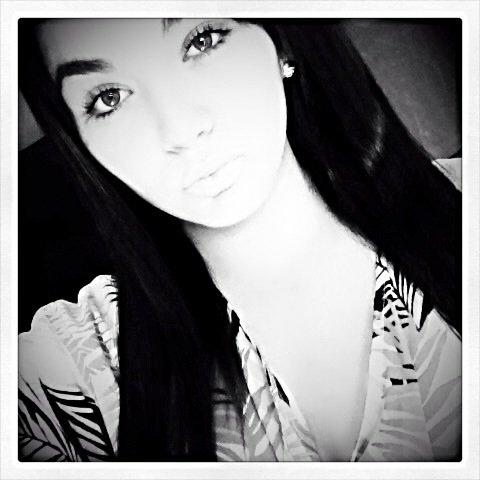 ↘ QU0i D `NEUF F0UiNY BƋBY