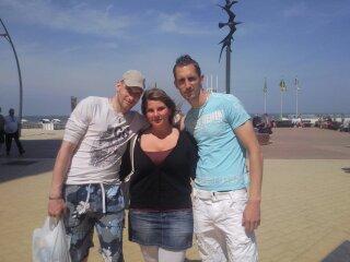 mon homme avec mon cousin d'amour et ma cousin la marraine d'ethan