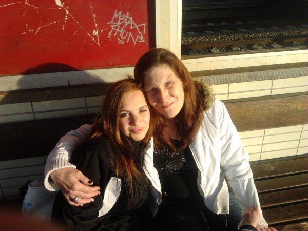 moi avec maman ( belle mere )