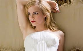 ♥♥♥je sais pas vous, mais je crois que je n'ai jamais vu une photo d'elle aussi belle♥♥♥ même si les autres sont magnifiques♥♥♥