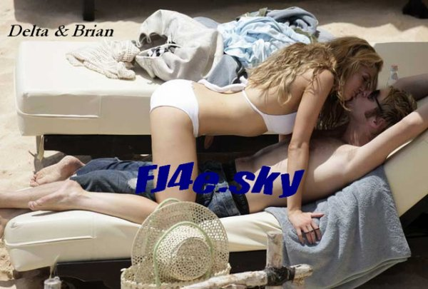 Après des semaines chargés, Nick mérite des vacances bien sur pas tout seul, avec sa chérie Delta !
