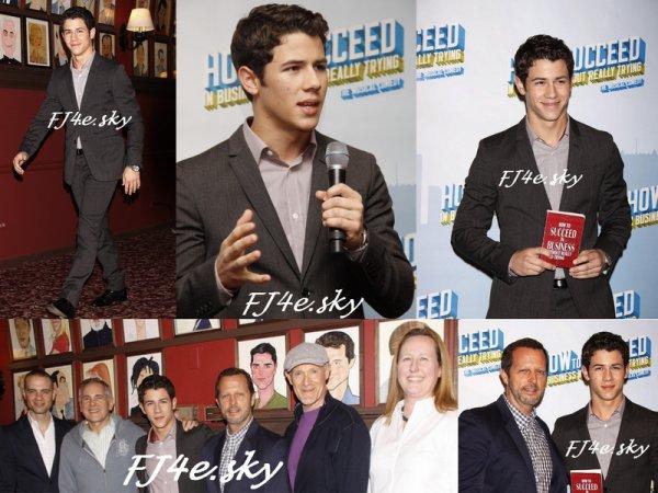 Un retour au théâtre pas à Hollywood mais à Broadway, c'est Nick qui chaufera la scène !!