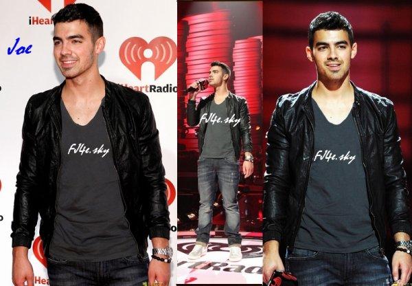 "Joe a été au festival de ""iHeart Radio Music""."