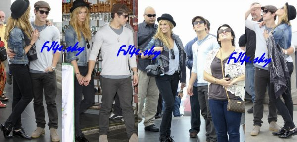 Nick avec ses parents, son frère Frankie et sa chérie Delta, ont été vue à Rio.