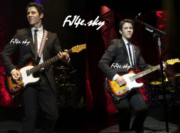 """La tournée de """"Nick Jonas & The Administration"""" a commencé ce 21 septembre à Sao Paulo (désolé pour le retard)"""