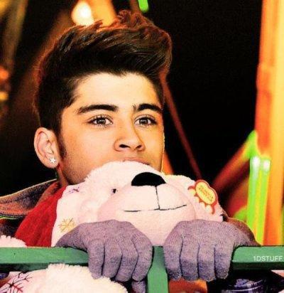 Il est tellement mignon sur cette photo... <3 Love you Zayn <3