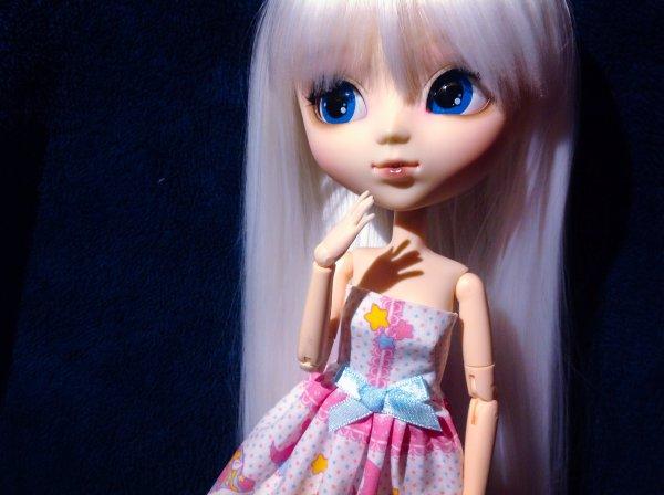 Nouvelle wig pour Léona