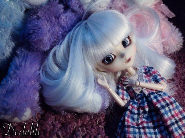 Léona et sa nouvelle robe