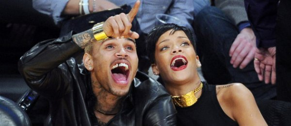 Rihanna et Chris Brown, complices à un Match de basket ♥