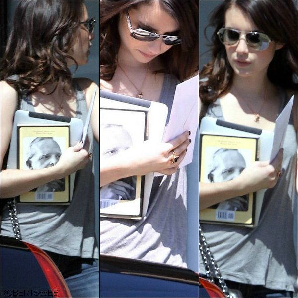 .  Emma quittant un studio  l 30 Juillet 2010 .