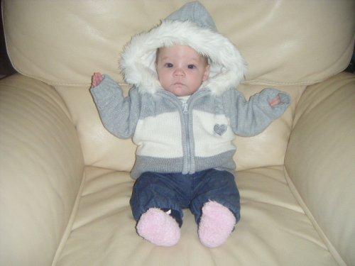 Manon avec sa veste   (Le 24-12-2010)