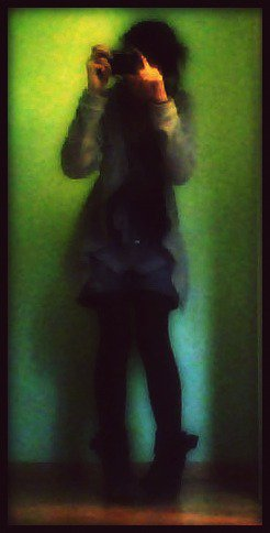 _Tout D'abord On Me Nomme Océane , Ouaip C'est Chouette Comme Nom Hein ?! Moi J'adore .! J'ai Seize Ans Deja Deriere Moi C'est Tellement Bon .! Ah Ah.! Alors Je Suis Une De Ses Filles Qui Passe Tout Ses Week End Avec C'est Pote Principalement Des Garçons Car Elle De S'entend Pas Avec Les Filles, Une De Ses Filles Qui Passe Des Soirée A Danser, Boire & Clasher .! J'ai Toujours Le Sourir Au levre Mais SENTIMENTALEMENT HANDICAPE Je Ne Donne Pas Mon Coeur & Encore Moin Mon Cul.,