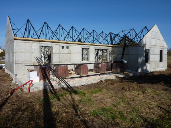 Design film sous toiture maison phenix le havre 2219 plan maison toit plat maison toiture for Peinturedesigne maison le havre