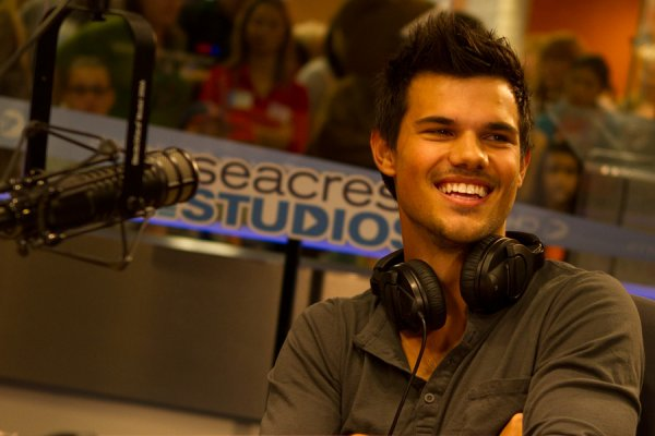Taylor  a la radio de Ryan Seacrest
