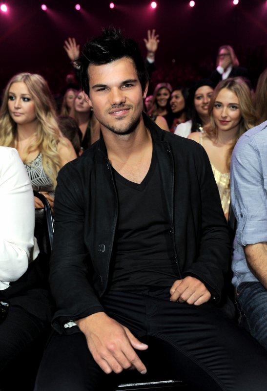 MTV Movie Awards 2013 Backstage