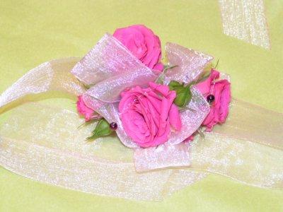 bracelet de demoiselle d 39 honneur flowerpower. Black Bedroom Furniture Sets. Home Design Ideas