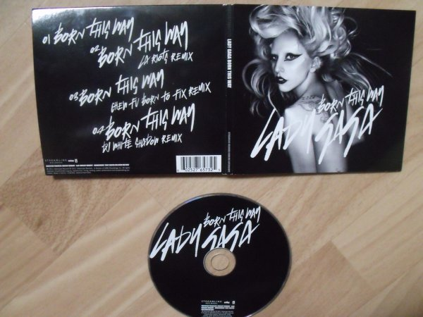 Single : Born This Way