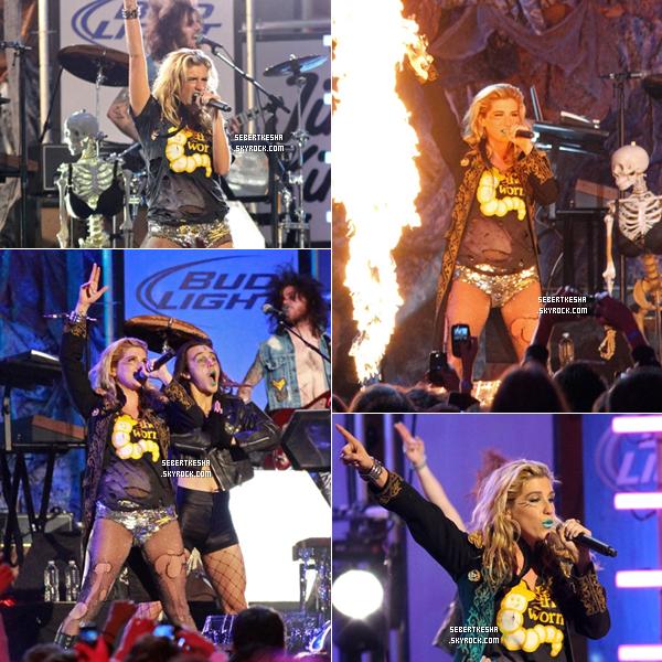 ". Candid du 22 Novembre 2010 -     Ke$ha et sa performance au ''Jimmy Kimmel Live ""      ."