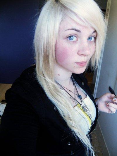 Sans Maquillage. :)