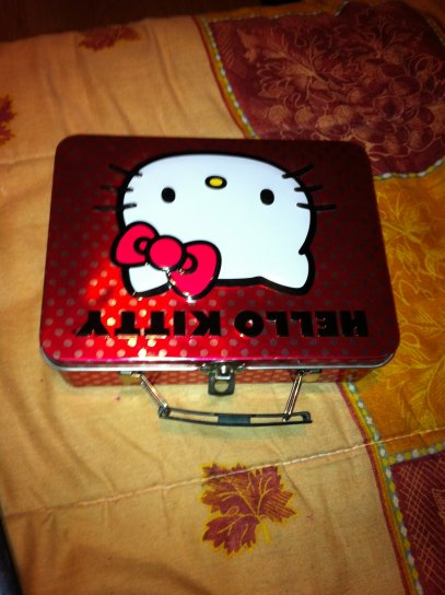BOiTEEEE HELLO KiTTY :)