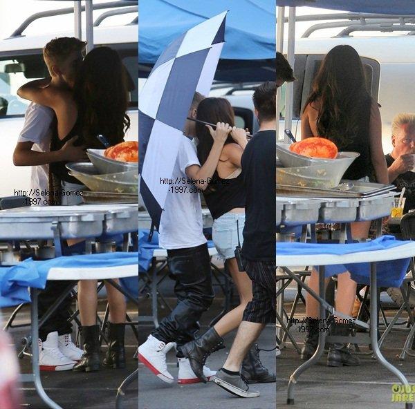 Selena a recu un belle visite de son ''CHARMANT''