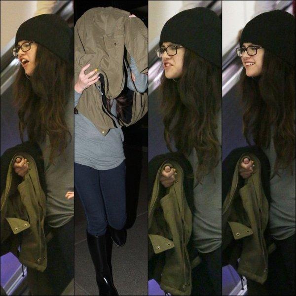 Selena A L 'aéroport aek Justin Bieber