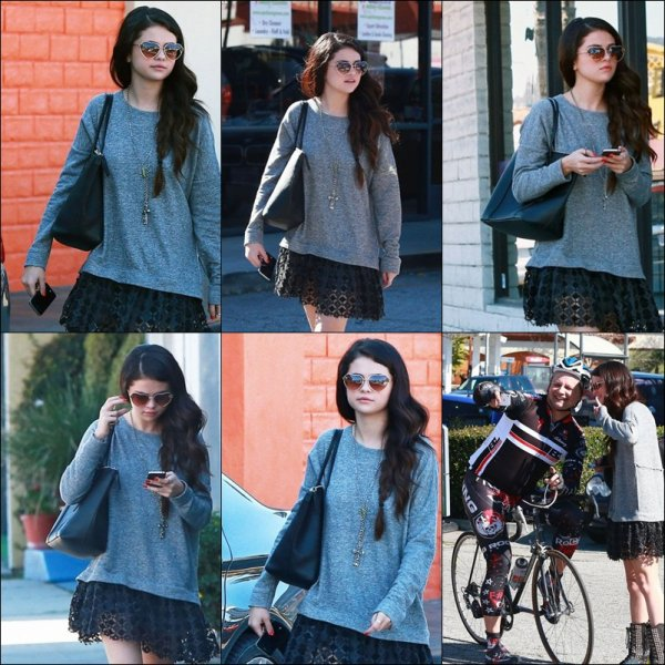 Le 12.02.2013 Selena Allant diner au Lily  Collins + Photo aek Fan !