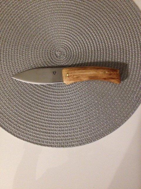 Couteau en acier trempé