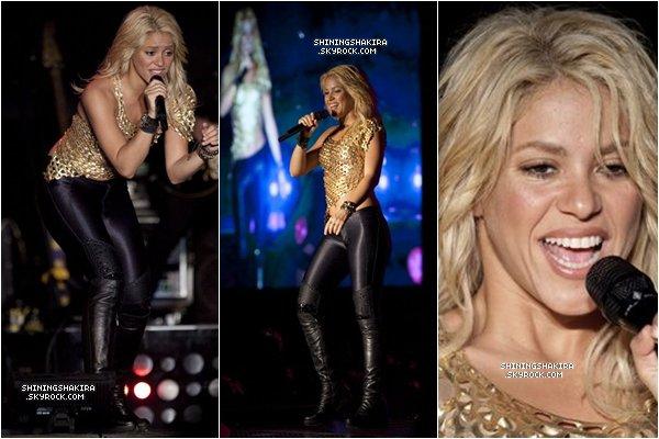15/O7/11 : Shakira au Méxique dans le cadre de sa tournée mondiale. Shakira n'a pas chanté Pienso en Ti, Gordita, Underneath Your Clothes et Je l'Aime à Mourir.