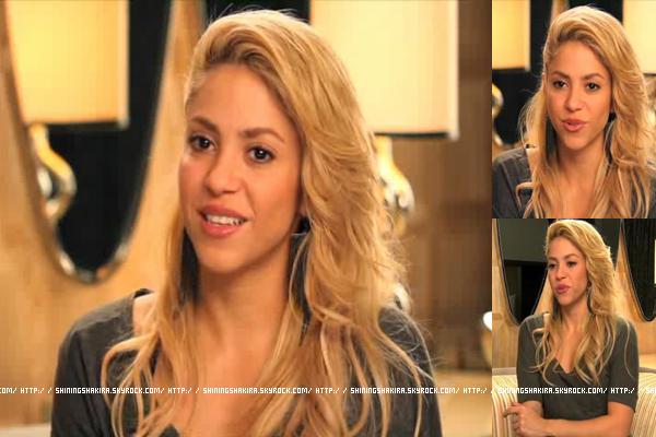 RATTRAPE DU 11/11/11 : Shakira a été interviewé à Los Angeles, elle était sublime waaaaaahou.
