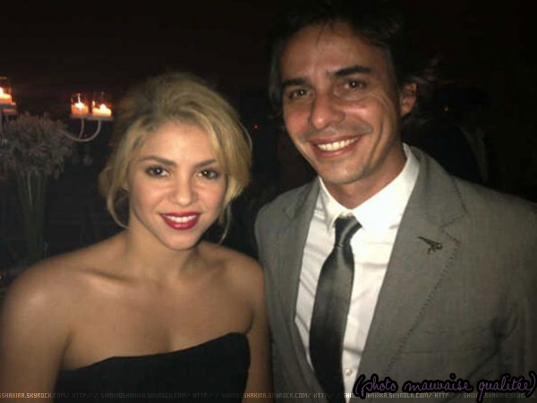 03.12.11. Shakira assiste au mariage de son amie Gabriela Vaca à Carmelo (Uruguay) .