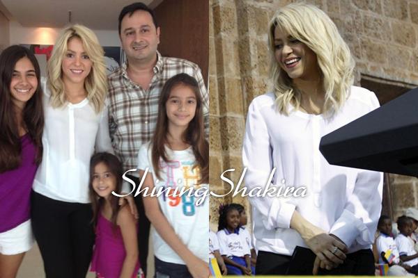 15.04.12 : Shakira à l'évènement du don de terre Palanqueros à Saint Pierre.♥ En présence du Président Barack Obama, ils ont l'air de s'apprécier. Shakira est juste très belle.TOP!