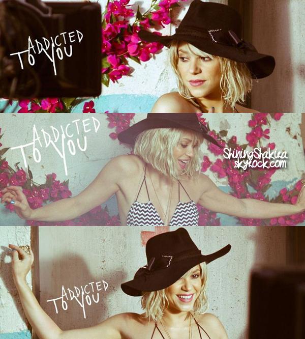 17.04.12 : Shakira arrive à l'aéroport de « Heathrow » à Londres. ♥ Avec une tenue très sombre mais très sobre. TOP ou FLOP pour Shak ?