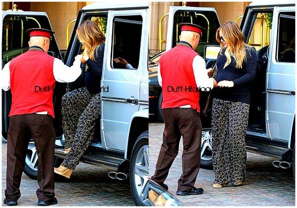 """4 FEVRIER 2012 : Devant l'hôtel """"Montage"""" de Beverly Hills"""