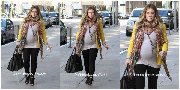 09 FEVRIER 2012 : Partant de North Roxbury Clinic, à Beverly Hills. Hilary devrait mettre au monde son fils début mars. Souriante, tenue colorée, pour moi c'est un grand TOP !Puis, plus tard dans Los Angeles.