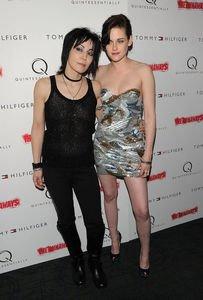 Joan Jett parle de Kristen et de 'The Runaways'