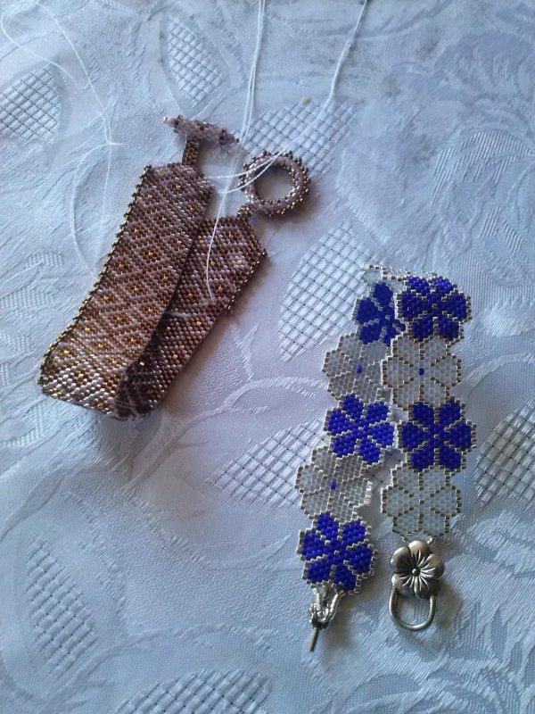 un bracelet d'Angeline et un autre bracelet Sereine fait par Marcelle. Merci SEREINE