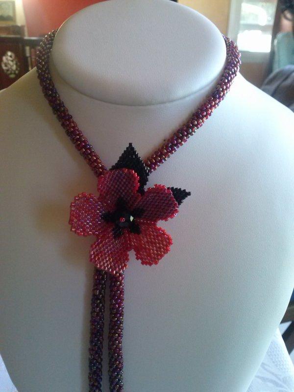 Petit collier fleuri d'Angeline