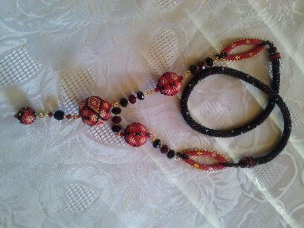 un autre collier d'Angeline