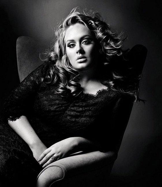 Adele posant pour le célébre Magazine «VOGUE UK» Octobre 2011.
