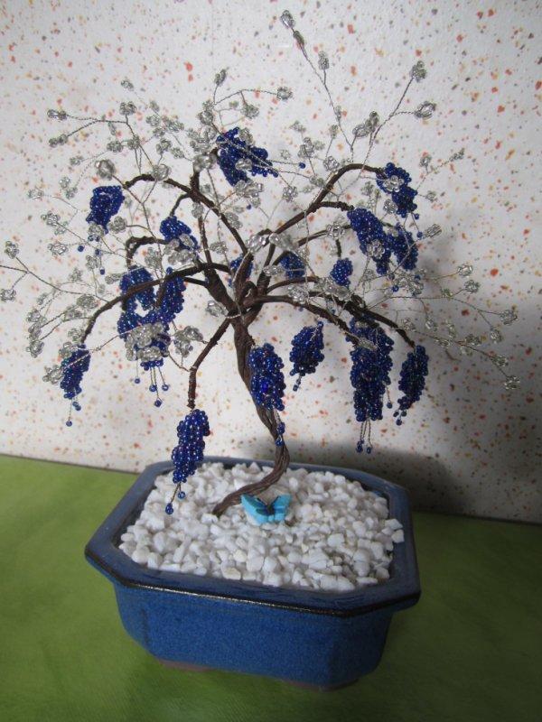 Un bonzai bleu et argenté