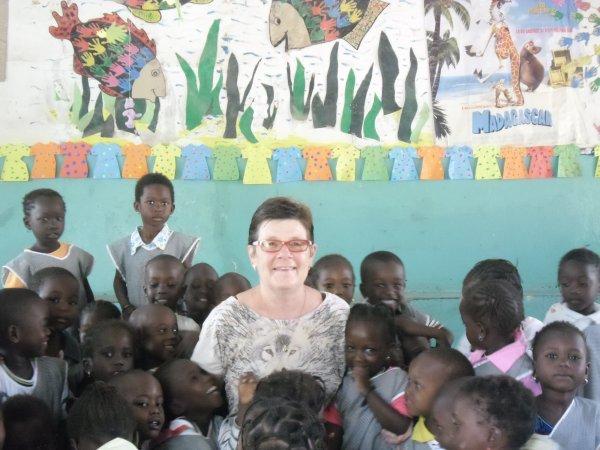 Maman Loulou en classe à l'école de WARANG