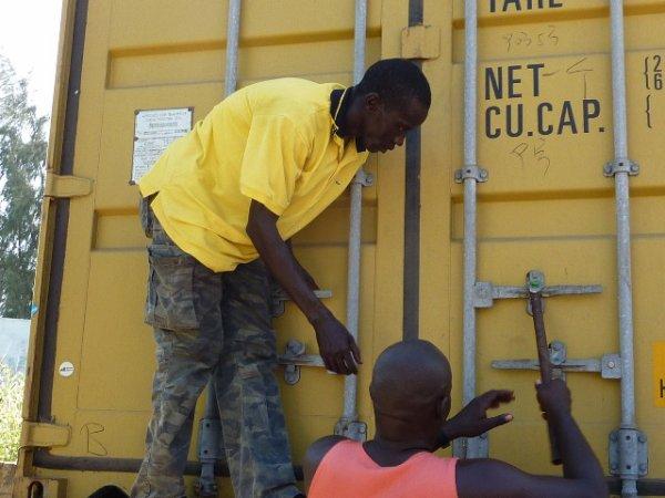 Le container est arrivé à Warang