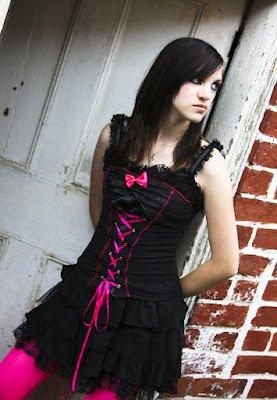 free download emo girls   Pretty Girl with Brown Hair   cute scene girl hair  