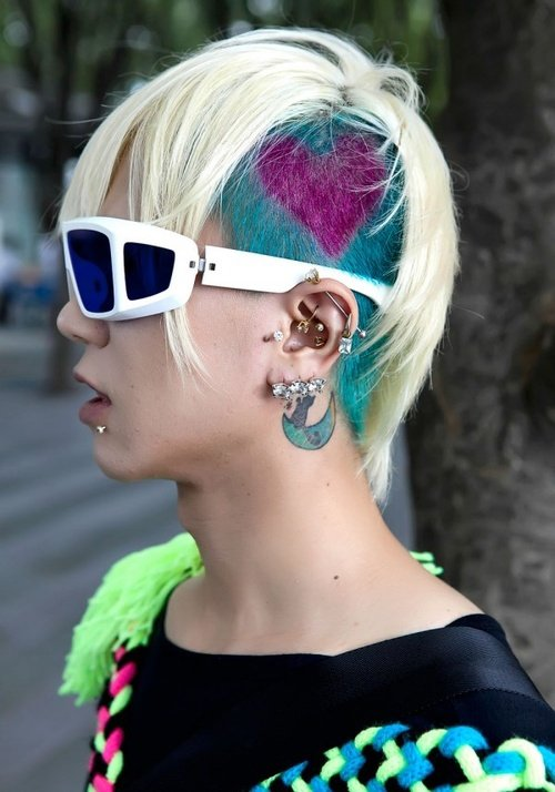 punk hairstyle picture | emo punk hairstyles | 80s punk hairstyles for women |