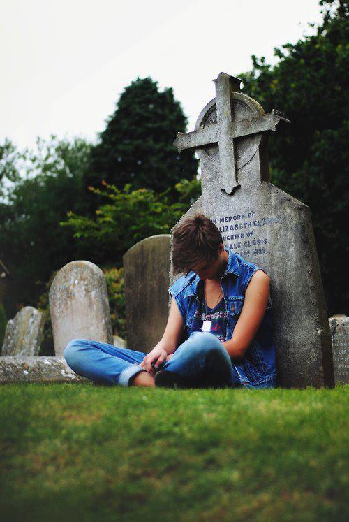 """""""Quand on voit la vie telle que Dieu l'a faite, il n'y a qu'à le remercier d'avoir fait la mort."""""""