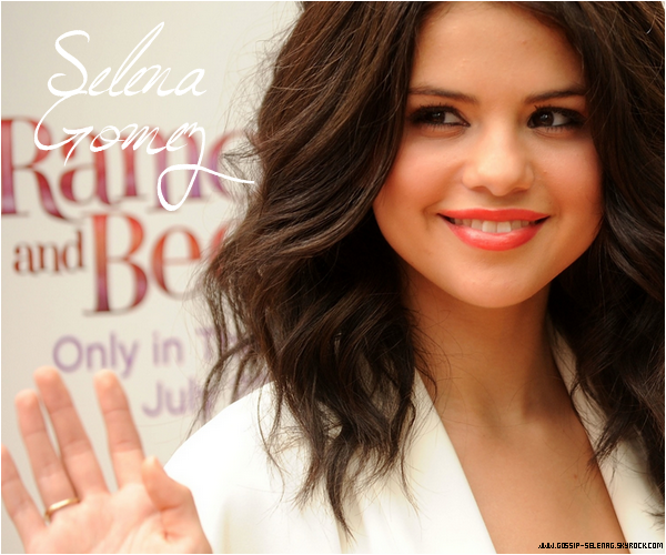 .WELCOME ON GOSSIP-SELENAG !  Your source about Selena Gomez ♥.
