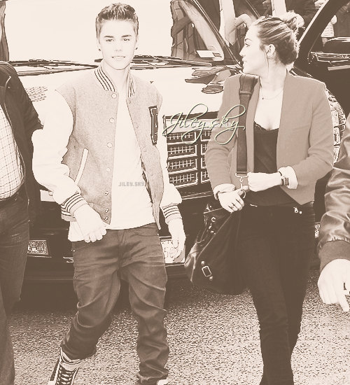 Jiley like normal couple