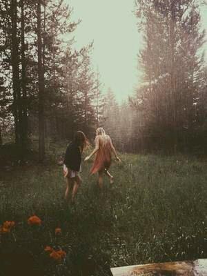 La véritable amitié, ce n'est pas d'être inséparables. C'est d'être séparés et que rien ne change.